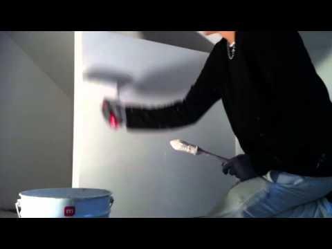 Peindre un mur mettre de la peinture murale peindre un for Peindre mur facilement