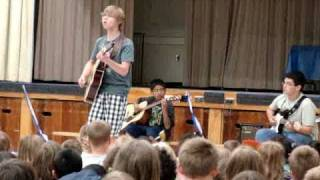 """Hallelujah"" cover Grade 6, 12 year old male, Duncan singing Hallelujah.MPG"