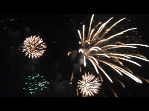 NEW YEARS 2017 FIREWORKS SHOW SM MANILA BY THE BAY | Vlogging in the Philippines