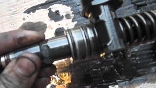 VW Caddy 2.0SDI завтуливание колодцев форсунок(Была произведена работа по завтуливанию колодцев, также тест на герметичность и шлифовка плоскости. Это..., 2015-07-05T19:14:06.000Z)