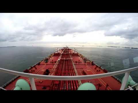 Spectacular Singapore Strait - Time Laps