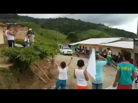 Entre aplausos y banderas, así recibieron a los guerrileros de las Farc en Nariño.