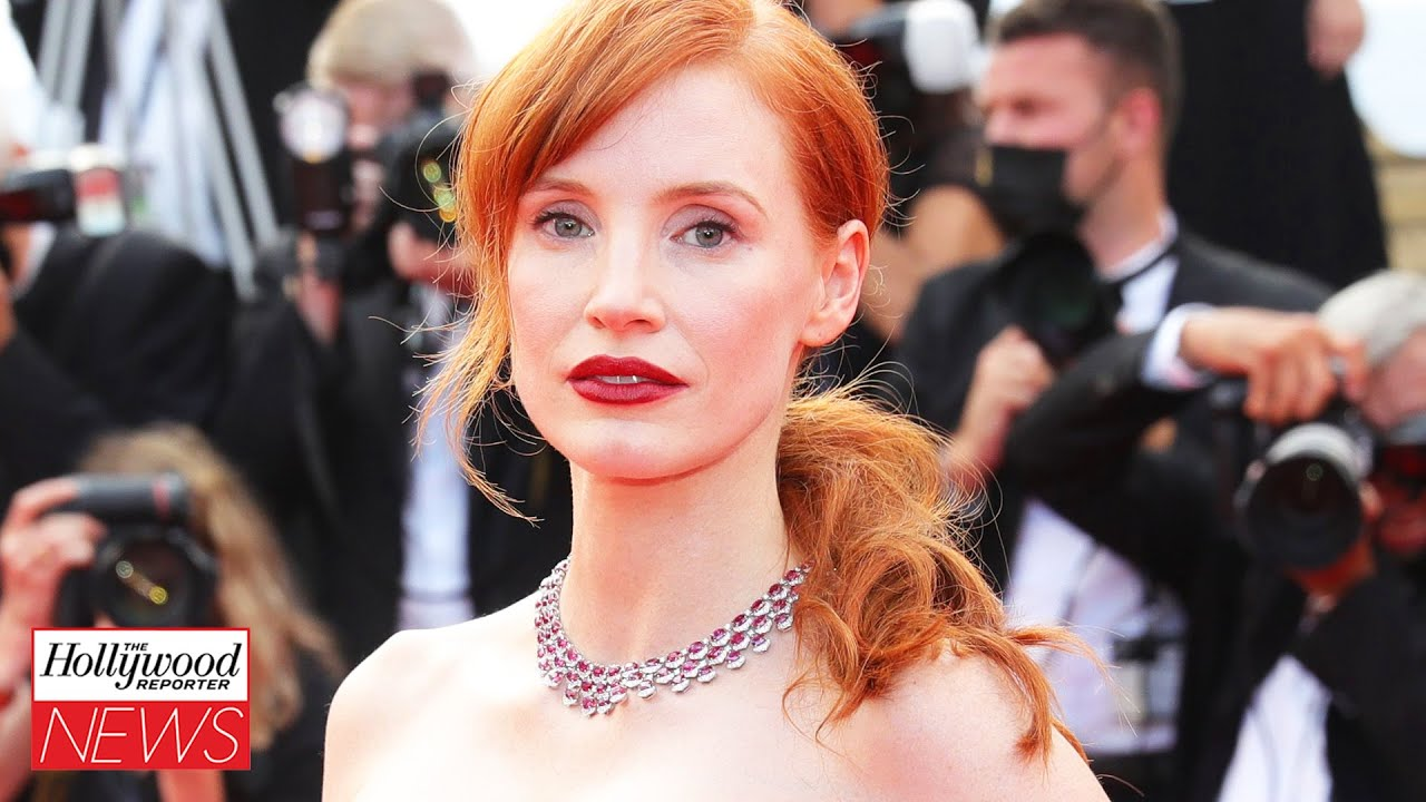 Jessica Chastain Says Makeup For 'The Eyes Of Tammy Faye' Did Permanent Damage I THR News