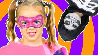Halloween Face Paint Fun | Learn to Face Paint | Halloween Costumes