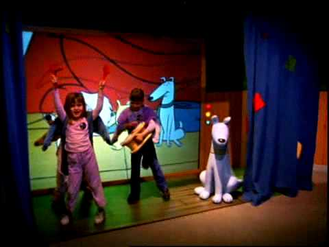 Big Red Storage >> Adventures with Clifford the Big Red Dog at Omaha Children