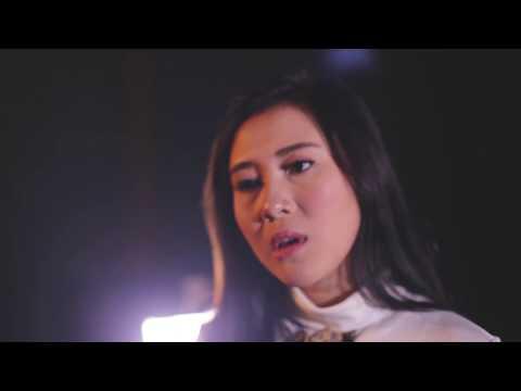 SANDY CANESTER Feat SARAH SUPER GIRLIES - SIAP SAKIT HATI