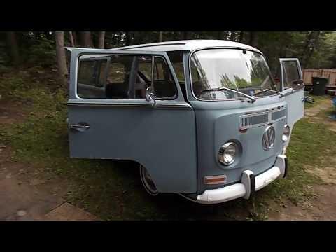 Classic 1969 Volkswagen Bus Deluxe walk around   Vw Bay Window : Van 69 : Transporter
