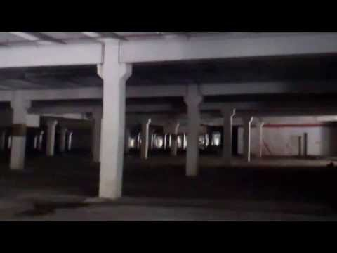 Exploring Abandoned Indoor Shopping Mall Urban Exploration