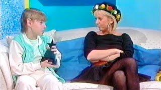 Splash: the 1988 Look-in Star Awards (clip)