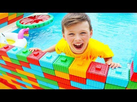ALİ HAVUZA DUVAR YAPTI, İÇİNDE KALDI - Color Brick Block Wall Toy in Pool Funny Kids video