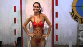 jess west in the gunge tank with beans and rice pudding trailer