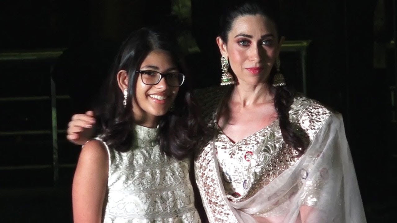 Sonam Kapoor Sangeet  Karishma Kapoor Spotted With Her -4896