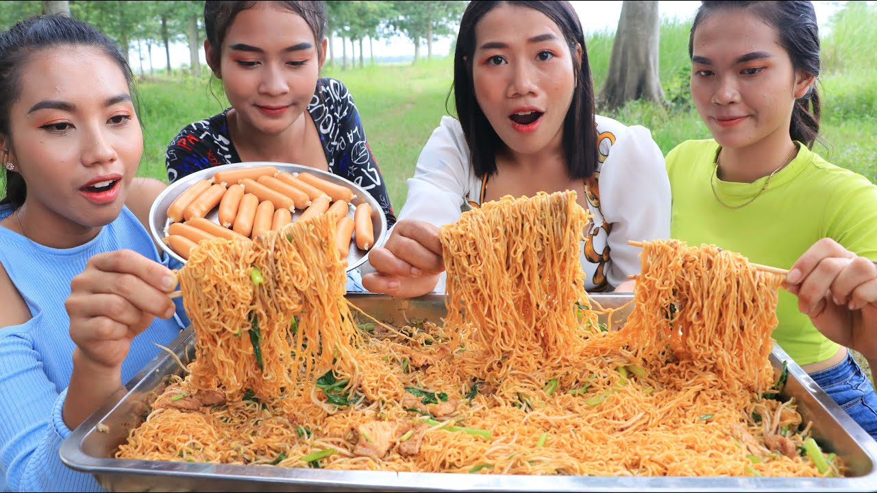 Noodle with hot dog chesses recipe - Cooking and Eating