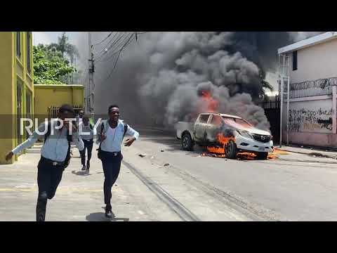 Haiti: Police clash with anti-government protesters in Port-au-Prince