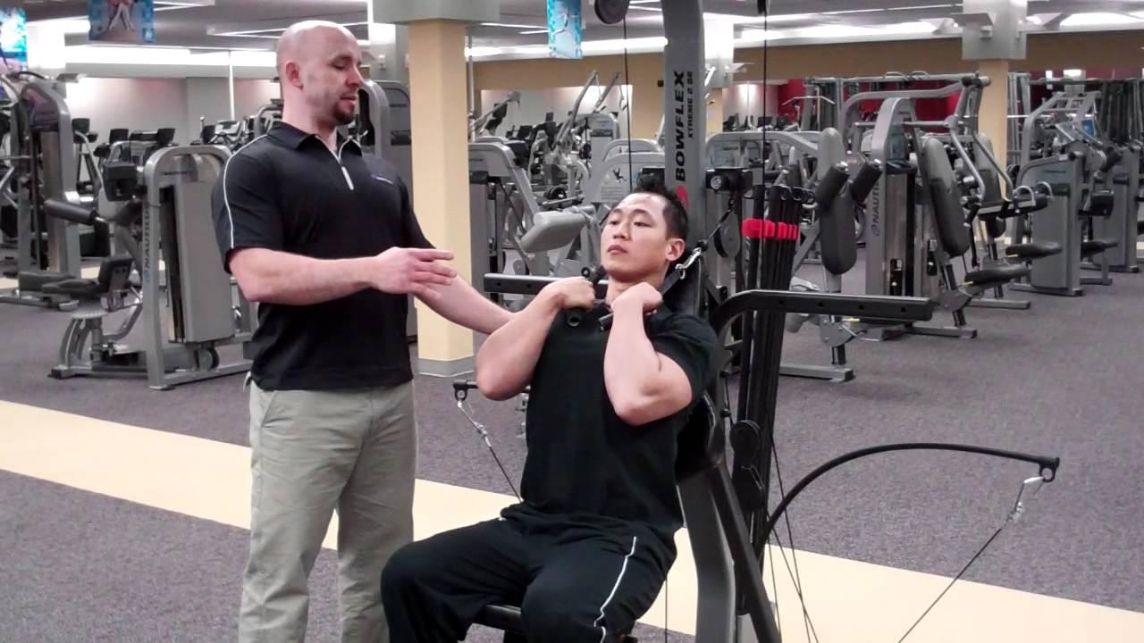 Correct Technique for an Abdominal Crunch with a Bowflex Home Gym ...