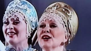 Gambar cover Заслуженная артистка РФ,солистка Оренбургского русского народного хора Людмила Суханова
