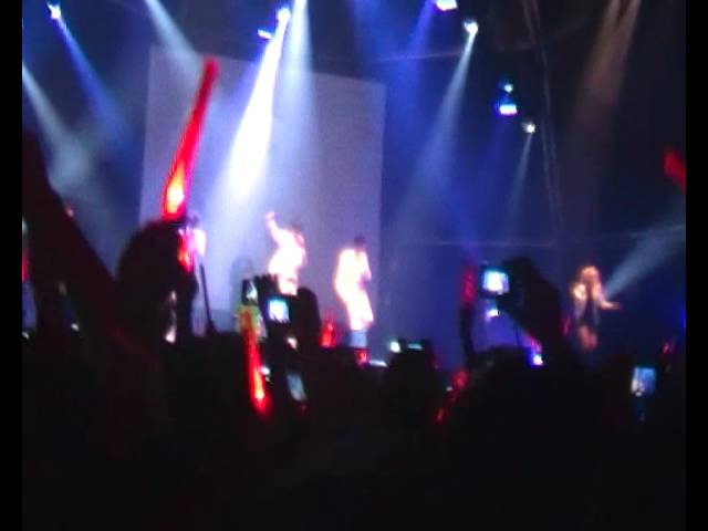 Opening the JYJ Concert + Empty - Barcelona, Spain 29/10/2011