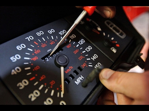 Максим Шелков рассказал как не купить автомобиль со скрученным пробегом на примере BMW X5