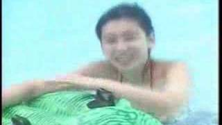 Hinagata Akiko Swimming with Air Animal.