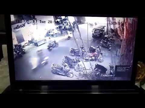 Car accident | Chandni Chowk | 7/11/2017 | Ratlam meri jaan . .