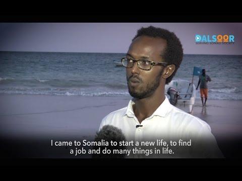 Faarax oo ka tagay London shaqana u raadsaday Soomaaliya - Faarax left London for Somalia