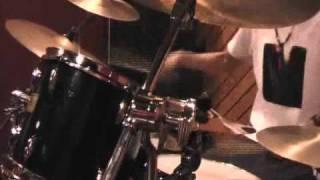 どうも、太鼓屋ジョニーと申します。 安藤裕子さんの『パラレル』を演奏...