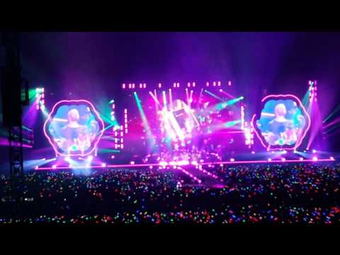 Coldplay - Paradise (Singapore Concert 2017)