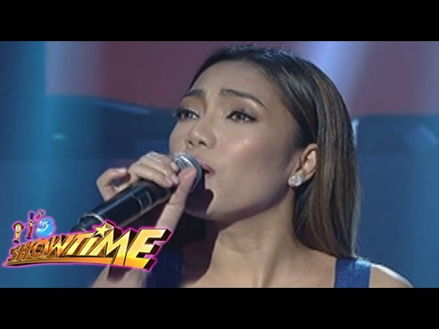 It's Showtime: Jona sings Maghihintay Ako""