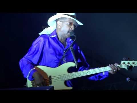 Larry Graham - Nothing Compares 2 U & Purple Rain {Live@ Jazz Festival La Défense, June 18th 2016}