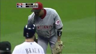 2010/09/20 Cabrera's diving grab