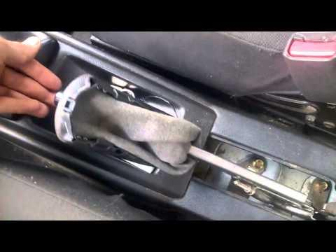 Как подтянуть ручной тормоз на Chevrolet AVEO