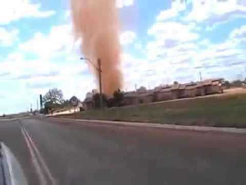 Dust devil - Redemoinhos Incríveis - sand tornado