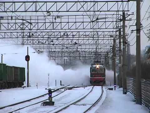 CHS2-929 with POM-008 working at Novosibirsk-Zapadnyui station. 20.12.2015