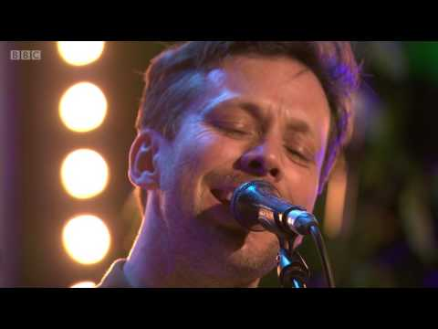 British Sea Power - Waving Flags/ The Great Skua (The Quay Sessions)