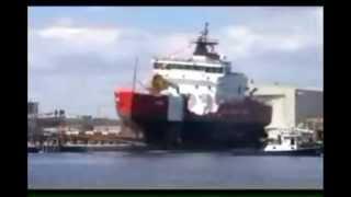 تنزيل سفن عملاقة الى البحر