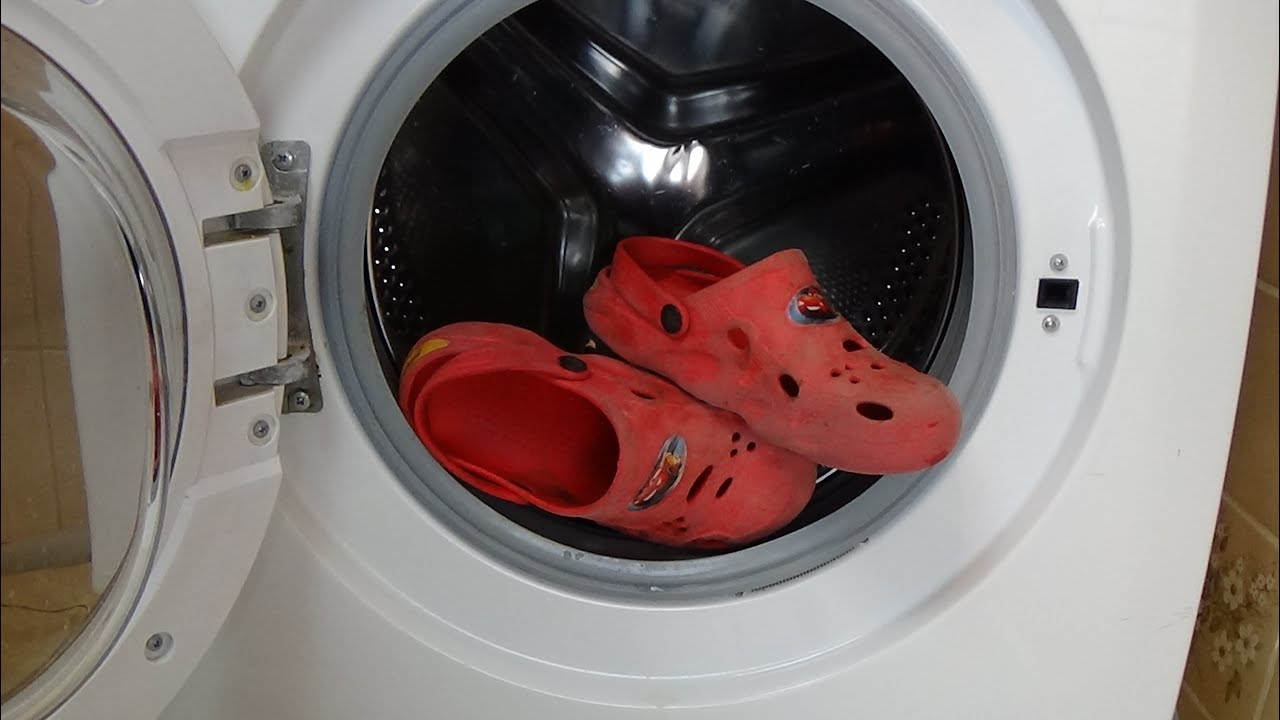 Cleaning crocs shoes in a washing