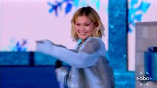 Olivia Holt - Christmas, baby please come home (Disney Parks Magical Christmas Day Parade 2018)