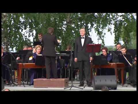 Сергей Потапов читает стихи Сергея Есенина