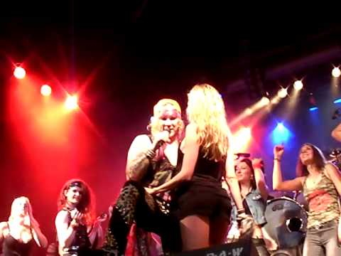 steel panther girls in row glory hole nurnberg