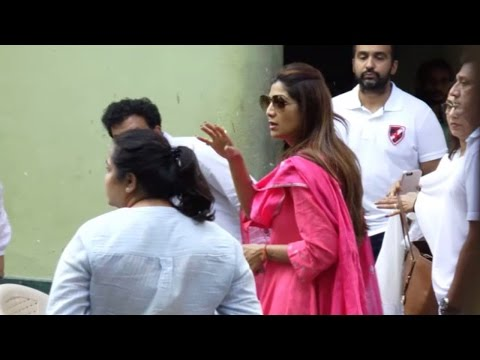 Shilpa Shetty's father died due to cardiac arrest; Watch funeral | Filmibeat