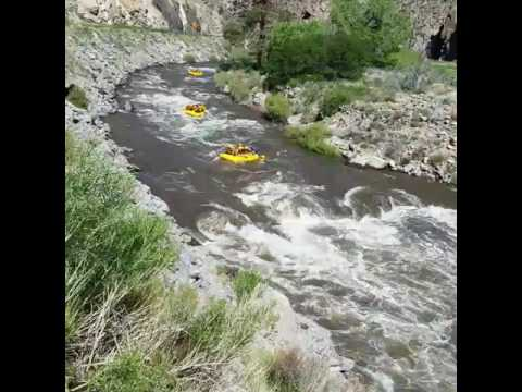 THIS is why you tip your guide ◇Three Rocks Rapid◇ Arkansas River