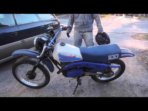 Kawasaki KE100 2 stroke dirtbike Wheelies