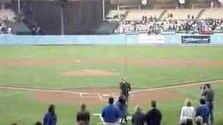 kyle lowder sings national anthem los angeles dodgers game