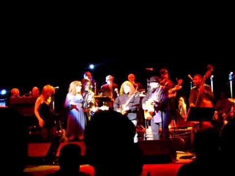 Levon Helm Band w Warren Haynes- Rain Down Tears (Beacon Theatre- 3/17/07)