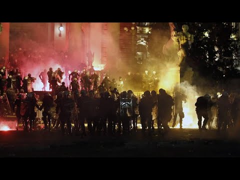 شاهد: تأجج مظاهرات الصرب احتجاجاً على سياسة الحكومة بشأن كورونا…  - نشر قبل 4 ساعة