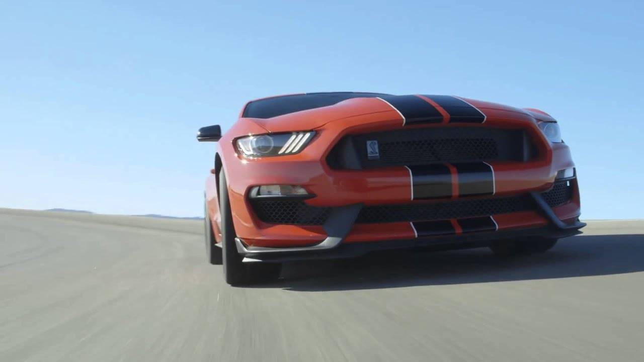 2016 ford mustang shelby gt350 an 8200 rpm muscle car to shame sports cars ignition ep 14200h00m. Black Bedroom Furniture Sets. Home Design Ideas