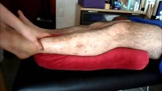 Sillón el reclinable piernas sentadas inquietas en