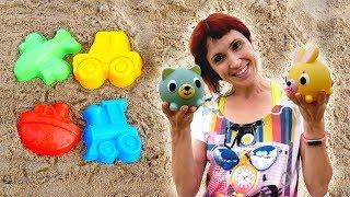 Маша Капуки та іграшки на пляжі. Відео на морі для дітей.