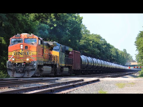 Railfanning BETWEEN TWO MAINLINES! Action-Packed Railfanning At The Westfield Railroad Park!