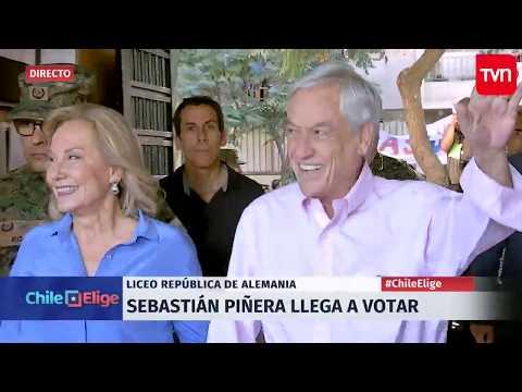 Sebastián Piñera vota en Liceo República de Alemania